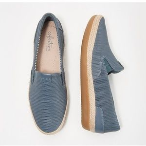 New CLARKS Blue Leather Danelly Iris Slip-Ons 8.5